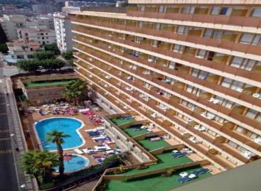 Fallece un adolescente en Calella al caer desde el balcón de su hotel
