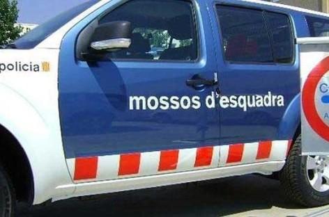 Un conductor se queda dormido en la C-32, en Argentona, y los Mossos le encuentran varias armas