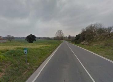 Una chica de 24 años herida grave en Tordera al despeñarse su coche por un margen