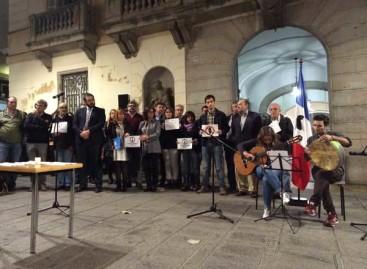 Minuto de silencio por los atentados de París