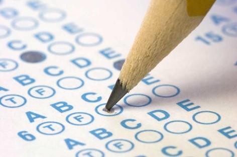 Detenido un vecino de Mataró por copiar en el examen del carné de conducir
