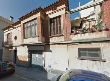 Dos ancianos heridos al incendiarse su casa de Mataró