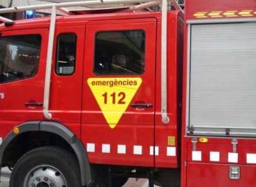 Tres intoxicados al incendiarse una capilla de la iglesia de Alella