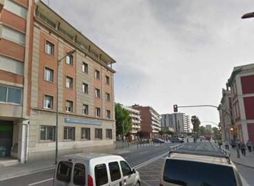 Muere un motorista en Mataró al chocar contra una pilona