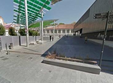 Canet se plantea cerrar la plaza Universitat para evitar el botellón
