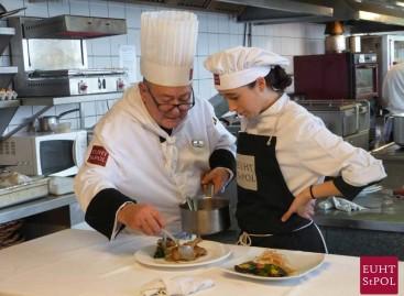 Las principales empresas hoteleras del mundo se citan en Sant Pol para reclutar profesionales