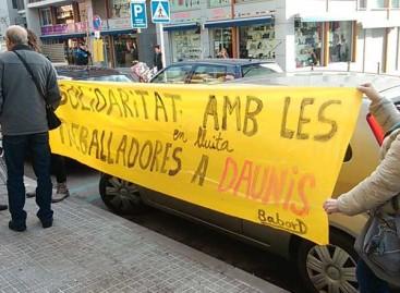 Protesta de los trabajadores de Daunis en Vilassar y en Premià de Mar