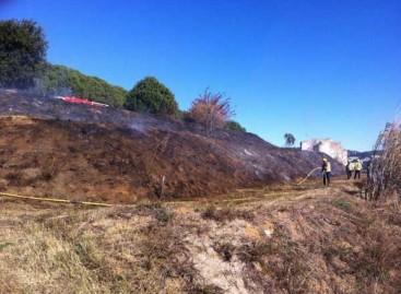 Un incendio afecta 1.600 metros cuadrados de monte entre Canet y Sant Pol