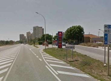 Un motorista herido grave en Mataró al chocar contra una furgoneta