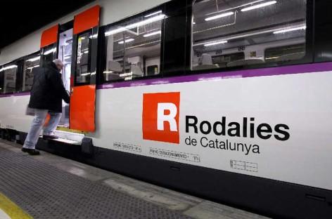 Dos vecinos de Pineda y Calella detenidos por apuñalar un hombre en un tren de la R1