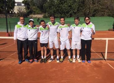 Els jugadors del Club de Tennis Cabrils Campions de Catalunya de Clubs 2016 de la Categoria Infantil