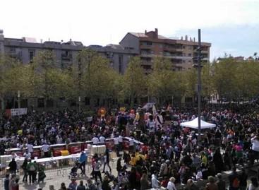 Miles de personas participan en la fiesta en apoyo al niño de Mataró Aleix Merino