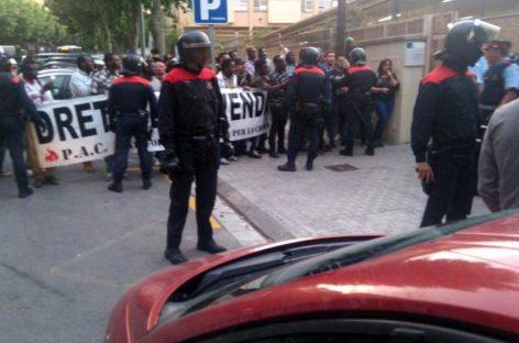 Tenso escrache de la PAC de Mataró contra un acto de Xavier Garcia Albiol (PP)