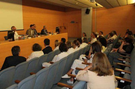"""Comín promete 2'9 millones más para el Hospital de Mataró y resta importancia a la """"plantada"""" del alcalde"""