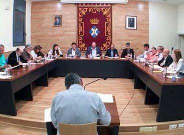 Llavaneres rechaza declarar non grato al Rey Felipe VI gracias a la abstención de ERC y Acord