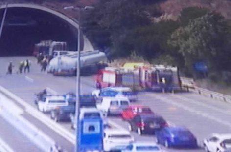 Un herido leve balance de un accidente entre un camión y un coche en la C-32, en Mataró