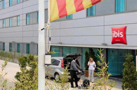 Detenidos los autores de una falsa reserva de 72 niños en un hotel de Calella