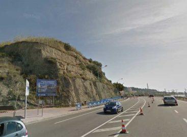 Un hombre herido grave en Arenys de Mar al caer desde la peña del cementerio a la N-II