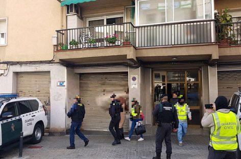 En libertad sin cargos la joven de Mataró acusada de yihadismo