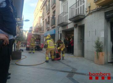 Cuatro personas intoxicadas en el incendio de una vivienda en Sant Andreu de Llavaneres