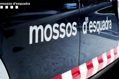Tres mujeres detenidas por los Mossos en Pineda en relación a varios robos en el centro de la población