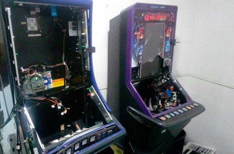 Dos detenidos tras robar en las tragaperras del bar de la estación de Premià de Mar