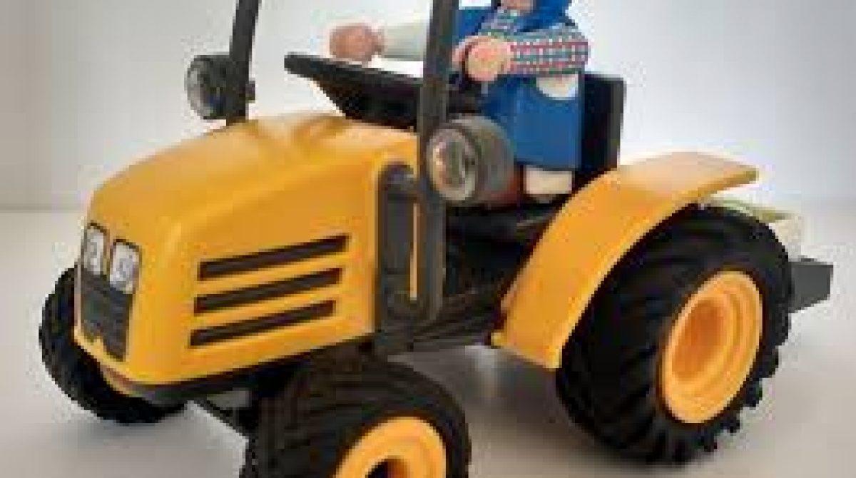 El tractor amarillo