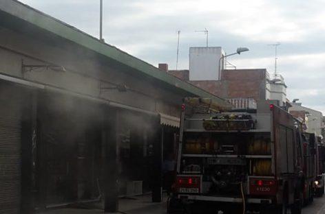 Un incendio afecta el almacén de un comercio en Malgrat de Mar