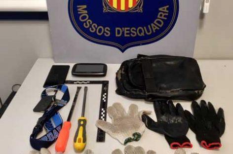 Detenidos tres hombres en Premià de Mar acusados de varios robos a domicilios