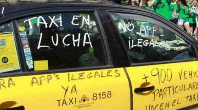 Los taxistas de Mataró se suman a la huelga del sector en Barcelona