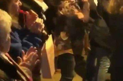 Un hombre armado con un machete entra en la casa de jóvenes emigrantes sin familia de Canet